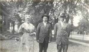 "1916 - Elizabeth Helen ""Nellie"" Pidd Wright, George and William Reece"